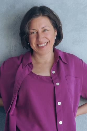 Miriam Komaromy headshot